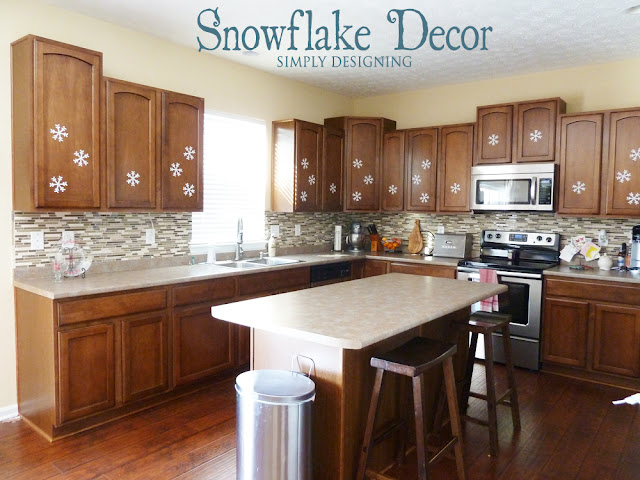 Felt Snowflake Decor | #winter #christmas #holiday #craft #sizzix #snowflakes