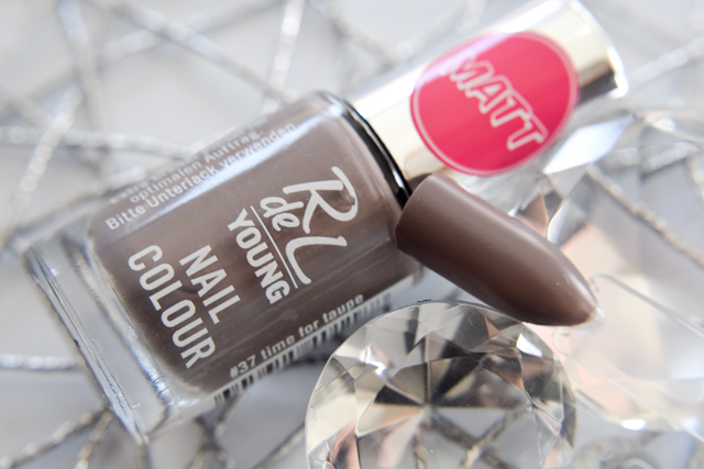 time for Taupe, Nagellack von Rival de Loop