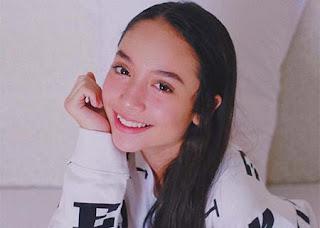 Asha Assuncao Senyum