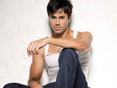 Enrique Iglesias Shirtless Sexy - Womens from