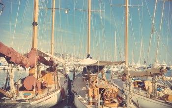 Wallpaper: Sailing Yachts