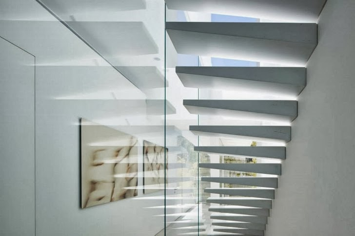 Stairs in White Ramat Hasharon House by Pitsou Kedem Architects