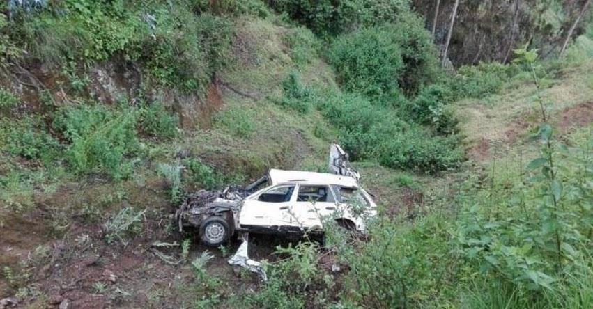 Cuatro docentes resultan heridos al caer auto a un abismo de 200 metros en Pamparomás - Áncash