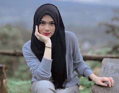 Davina Karamoy Berhijab 2