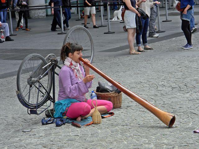 Paryżanie, artyści uliczni