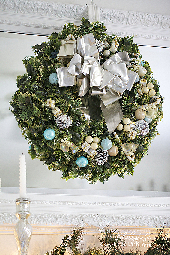 vintage christmas wreath aqua