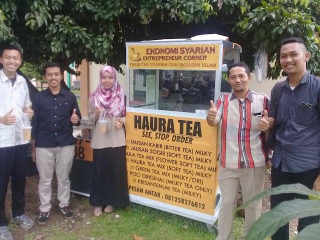 Mahasiswa Ekonomi Islam IAIN Pontianak, Sajikan Minuman Teh Ala Restoran