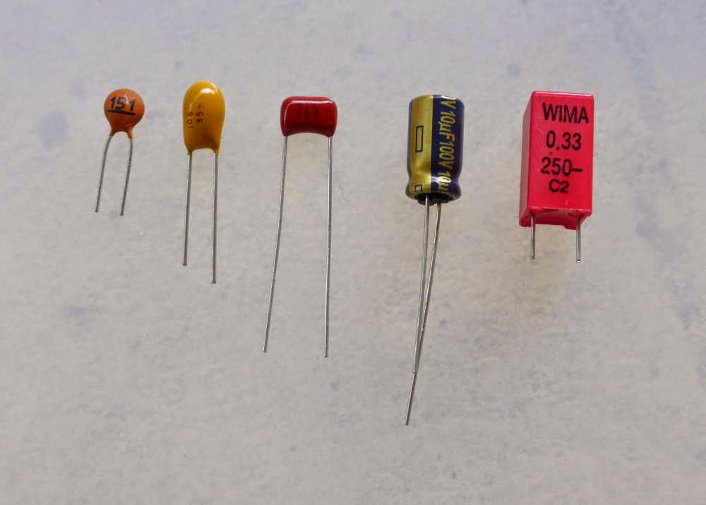 type of capacitors guitar pedals