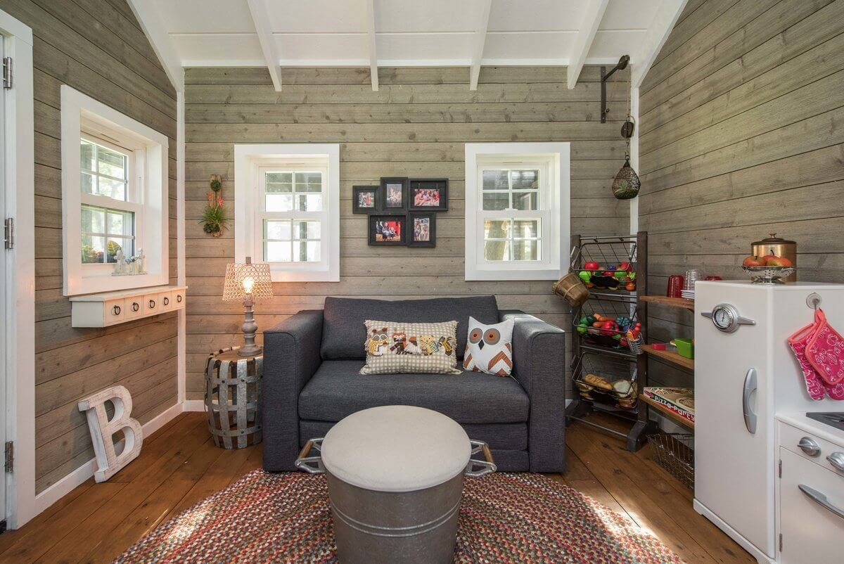 07-Studio-Apartment-GDB-Architecture-Tiny-House-Playhouse-www-designstack-co