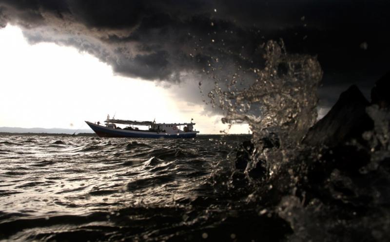DAHSYATNYA, Siklon Dahlia Mengamuk, Tinggi Gelombang di Laut Jateng dan Yogya Capai 7 Meter!