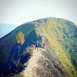 Gunung andong magelang
