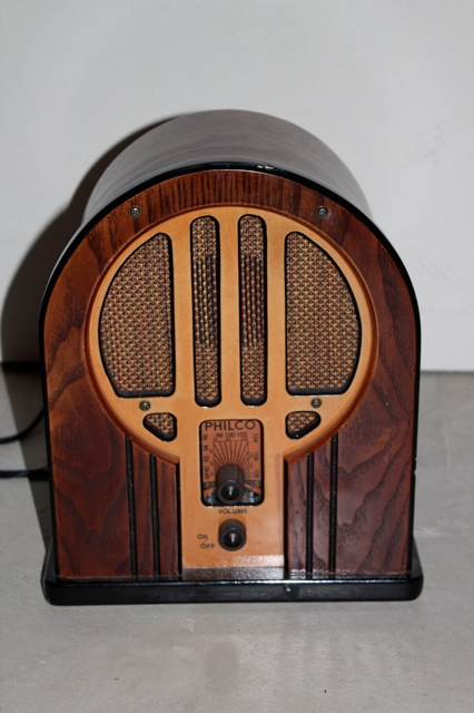 for sale in ottawa philco wood am fm radio for sale in ottawa 200. Black Bedroom Furniture Sets. Home Design Ideas