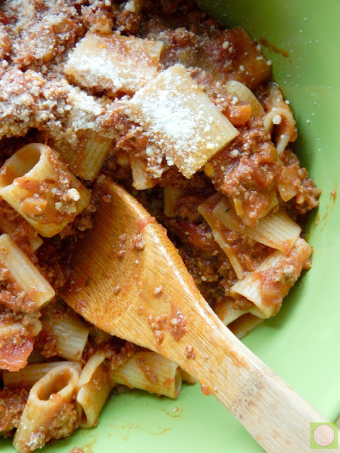 healthy turkey bolognese (sweetandsavoryfood.com)