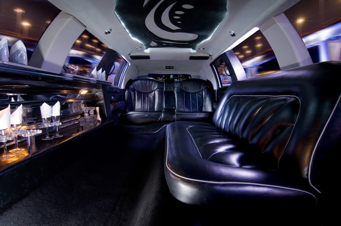Limo rentals near knoxville - Limo Rentals Near Knoxville 1