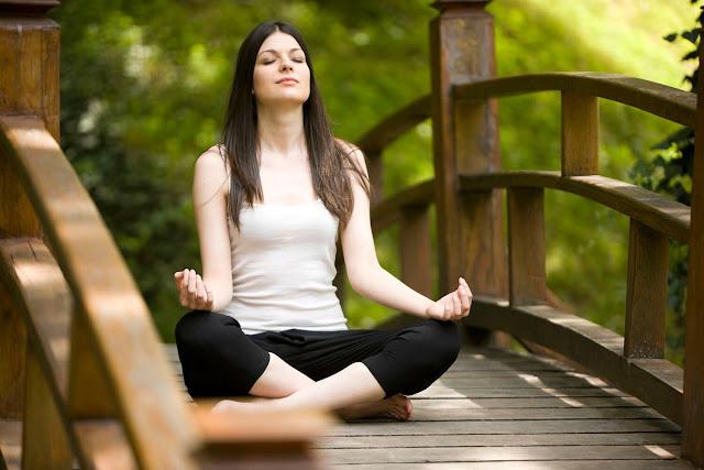 Meditate Like Eckhart Tolle, Echart Tolle, basic breathing meditation, guide to meditation, meditation guide, mindfulness, The Essential Meditation Guide, what is meditation,