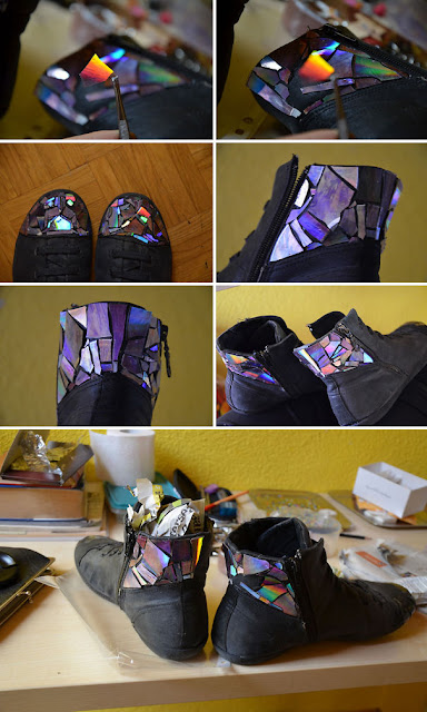 Zapatos decorados con Cds reciclados
