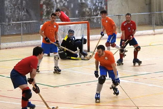 Hockey patines | El Gurutzeta conserva la novena plaza pese a caer ante el Aurrera de Vitoria