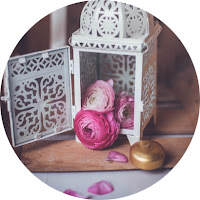 http://daydreamincolors.blogspot.fr/2015/03/ranunculus-pink-and-wood.html