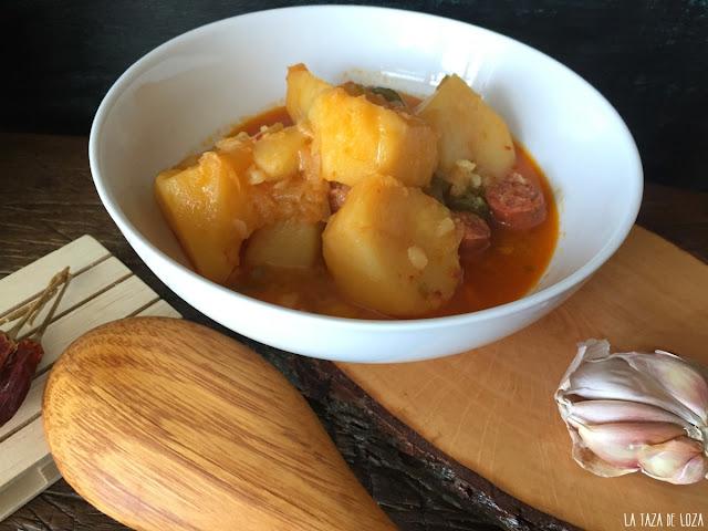 plato-de-patatas-riojanas-con-chorizo
