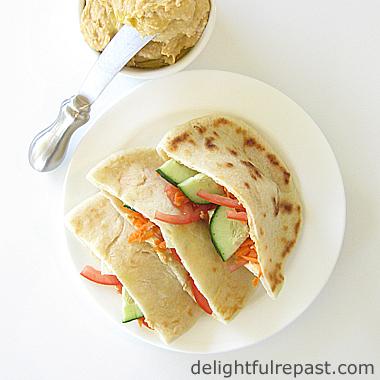 Homemade Pita (Pitta) Bread / www.delightfulrepast.com