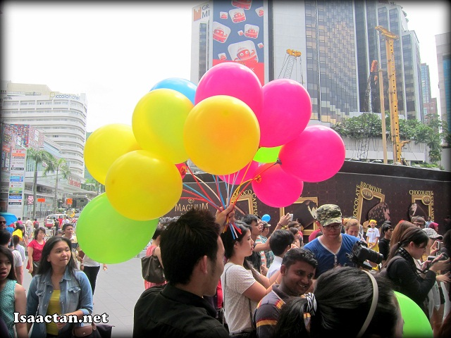 Bright balloons for all at the Galaxy S4 Teaser Music Event