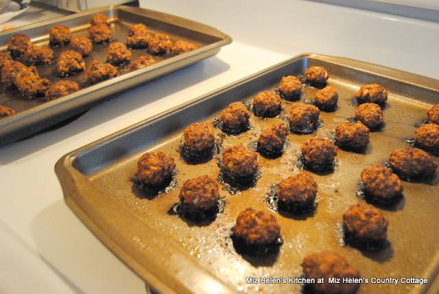 Slow Cooker Swedish Meatballs and Sauce at Miz Helen's Country Cottage