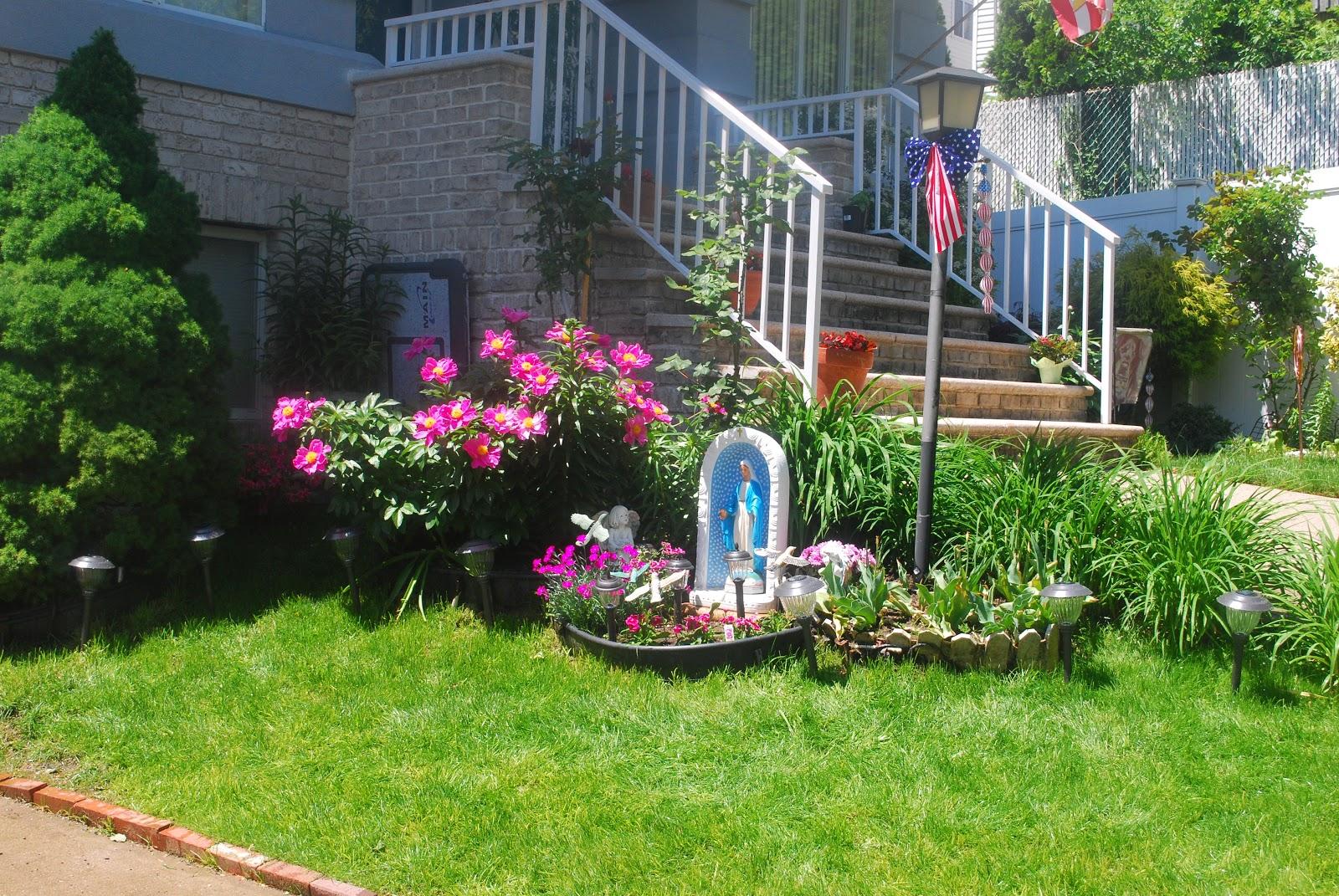 Gardening: Flower And Vegetables