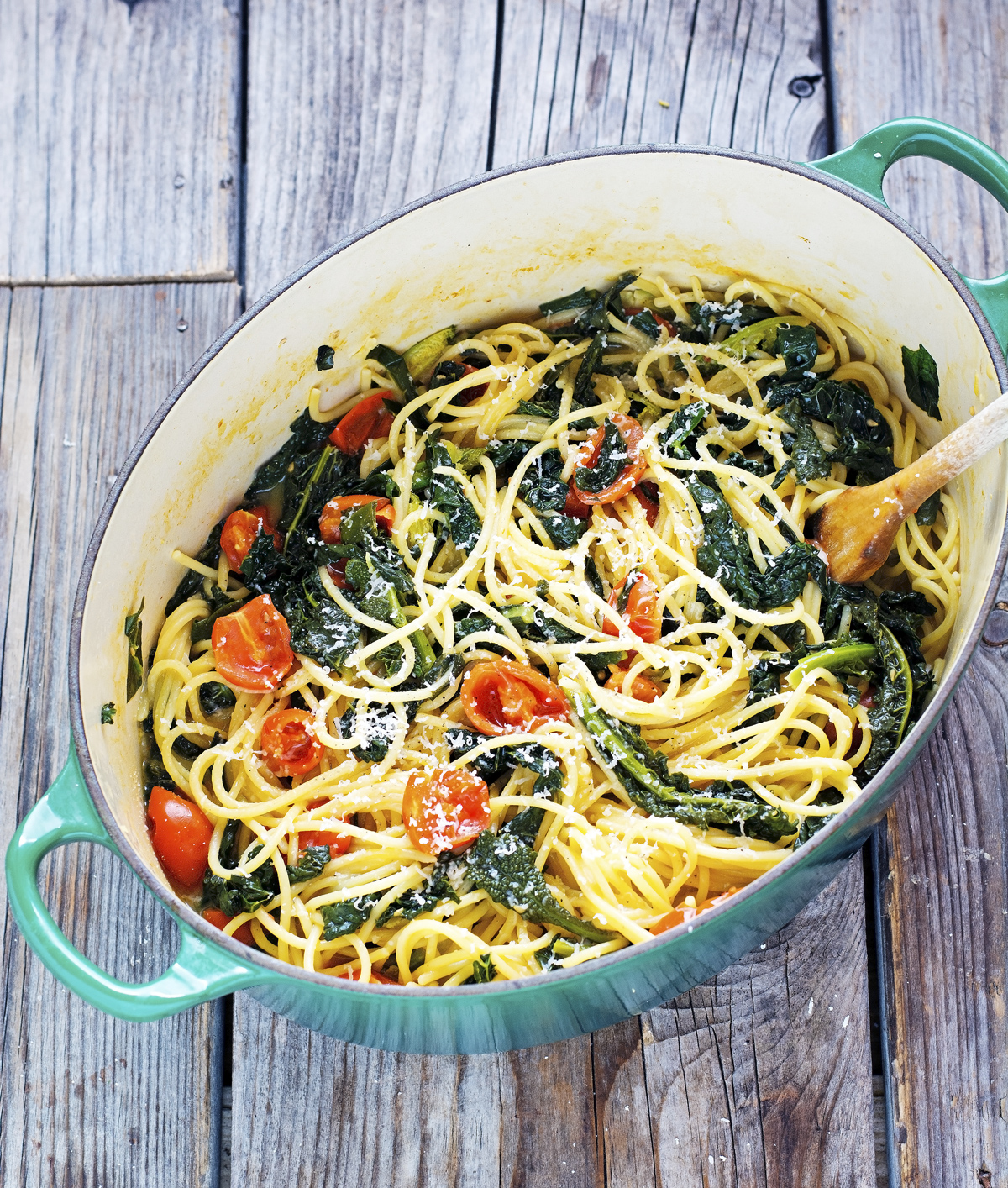 One-Pot Spaghetti with Kale and Cherry Tomatoes