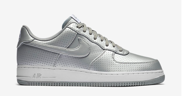 nike air force 1 07 lv8 sneakermag the sneaker blog. Black Bedroom Furniture Sets. Home Design Ideas