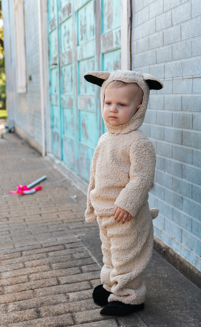 kids halloween costume twin costume twin halloween costume little bo peep little  sc 1 st  Jesse Coulter & Little Bo Peep u0026 Her Sheep | Halloween Costume | Jesse Coulter