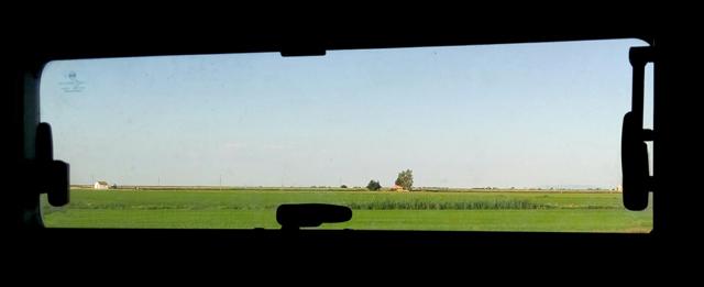 El delta per la finestra de l'autocaravana