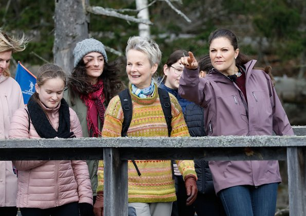 Crown Princess Victoria of Sweden visited Tinnerö Natural Reserve (Tinnerö Eklandskap) in Östergötland.
