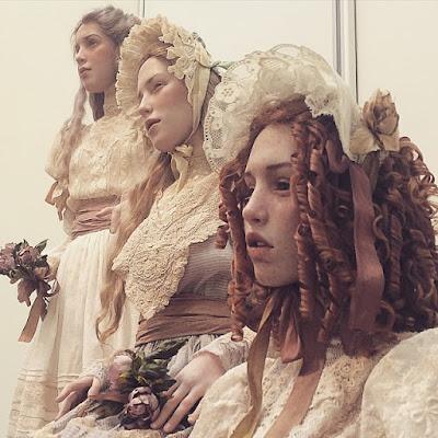 Muñecas hechas de arcilla polimerica