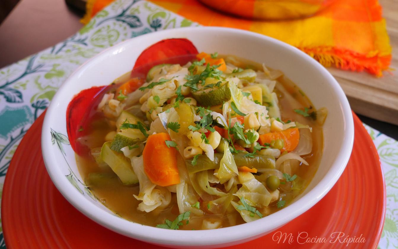 Sopa de verduras f cil y deliciosa mi cocina r pida for Cocina vegetariana facil y rapida