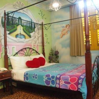 Hotel Ini Sangat Cocok Untuk Para Keluarga Yang Berlibur Di Singapura Selain Memiliki Family Room Mereka Juga Menyediakan Beberapa Kamar Didesain