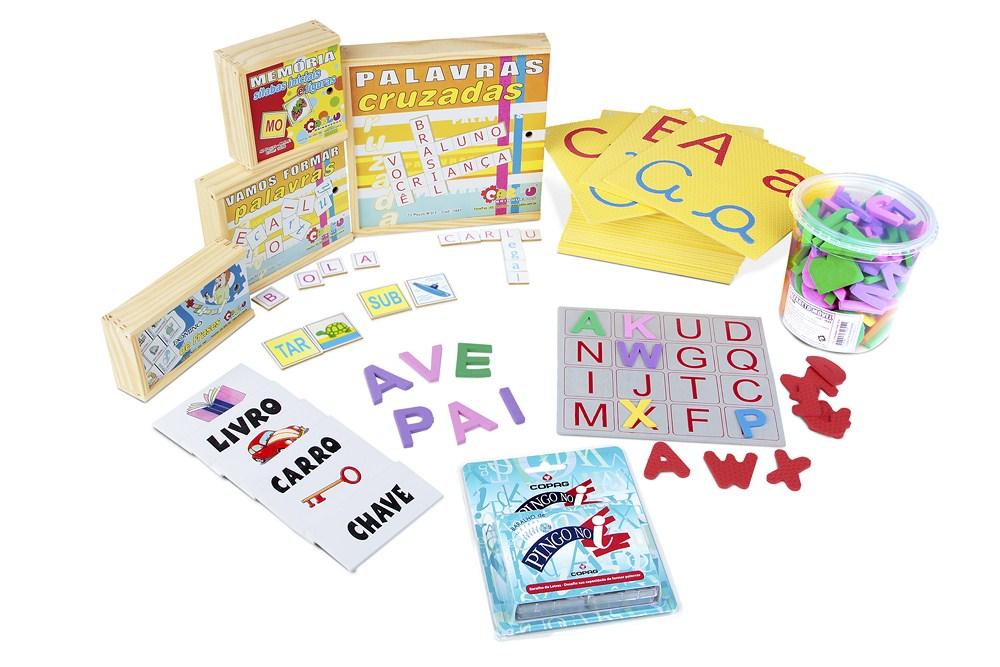 cec4b73b2e 06 Alfabeto móvel em madeira ou plástico