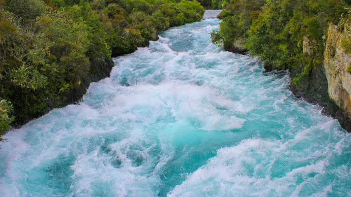 Picture 6: Huka River
