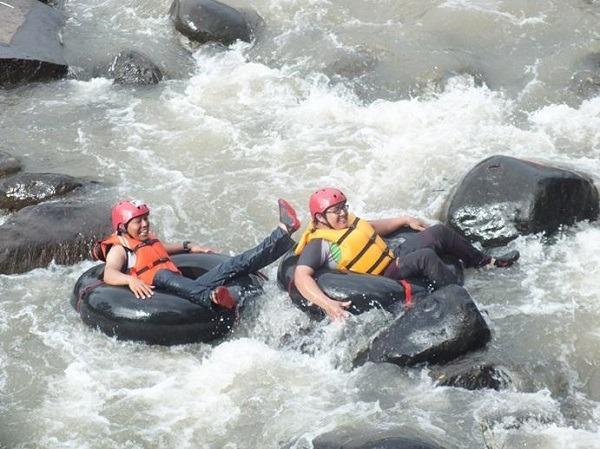 river tubing sungai cikaengan tempat wisata di garut