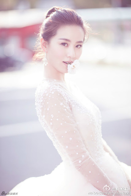 Liu Shi Shi in wedding gown