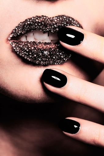 FALL/WINTER 2012 NAIL TENDENCES
