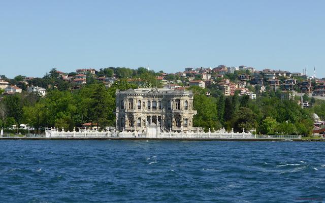Palác na Európskej strane Bosporu, Istanbul, Turecko