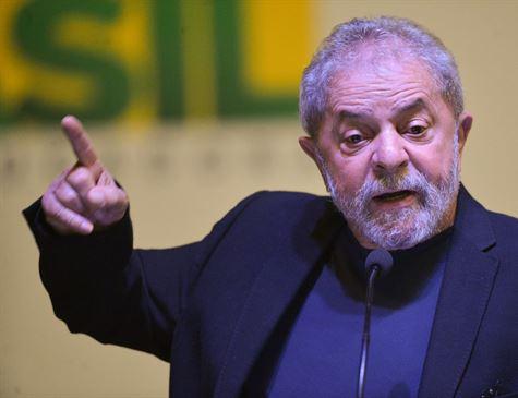 Carta de Lula: 'Moro saiu do armário', diz ex-presidente