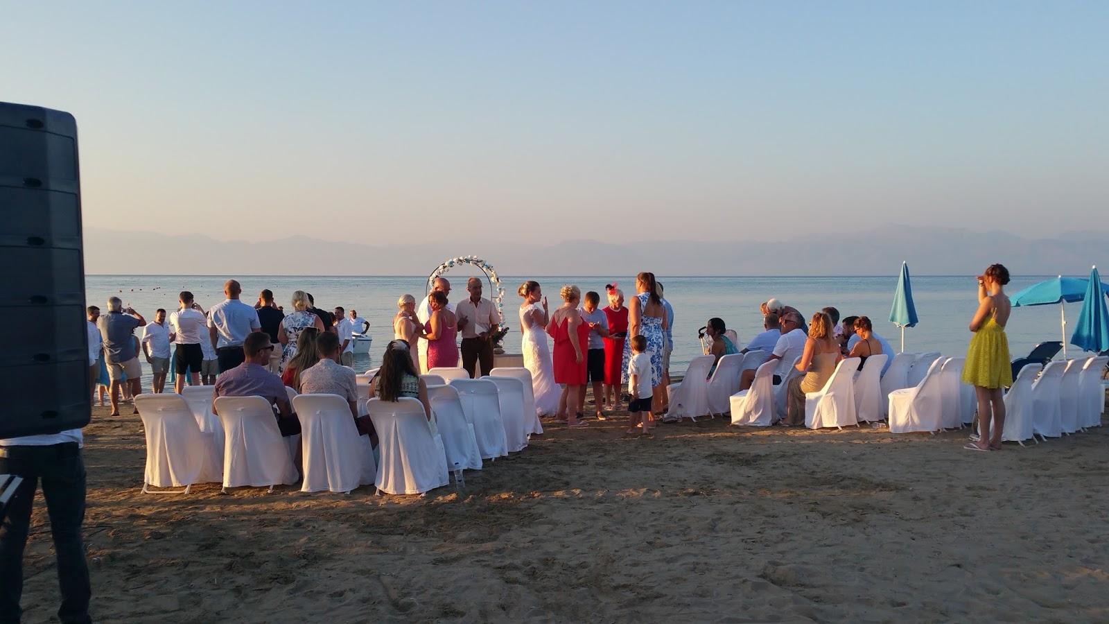 Matrimonio Spiaggia Grecia : Corfù la macchia verde dello ionio e poi una mattina