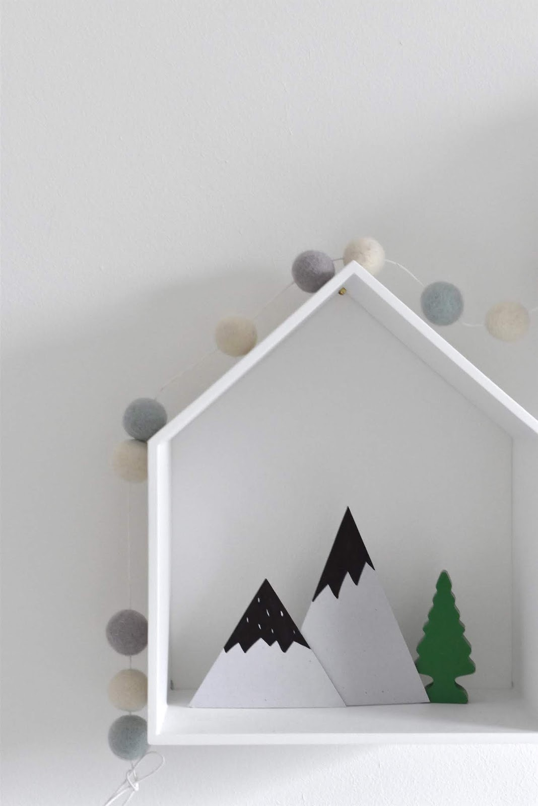 Mountain-nursery-decor