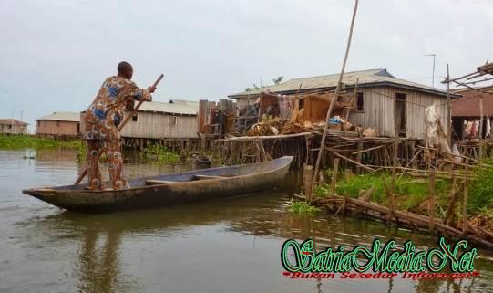 Transportasi Desa Diatas Danau
