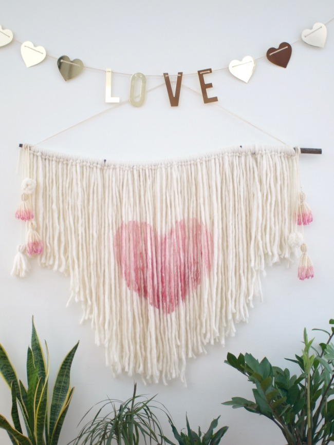 This Little Miggy || DIY Heart Wall Hanging