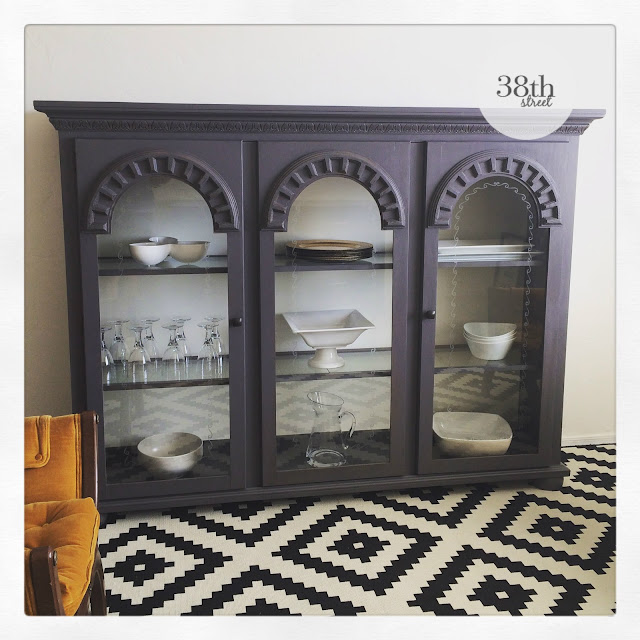 refinished hutch, up cycled hutch, curio cabinet, cabinet makeover, hutch makeover, painted hutch, painted cabinet, pure and original, classico chalk paint, burned sand, warm white, diy,