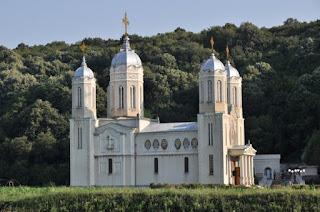 manastirea-pestera-sf-apostol-andrei-eu-aleg-romania-18-iulie_124999095.jpg