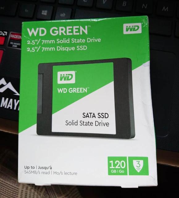 saya hendak membuatkan dongeng wacana pengalaman memasang dua Drive sekaligus Cara Memasang SSD dan Hard Disk (HDD) ke  dalam satu Laptop
