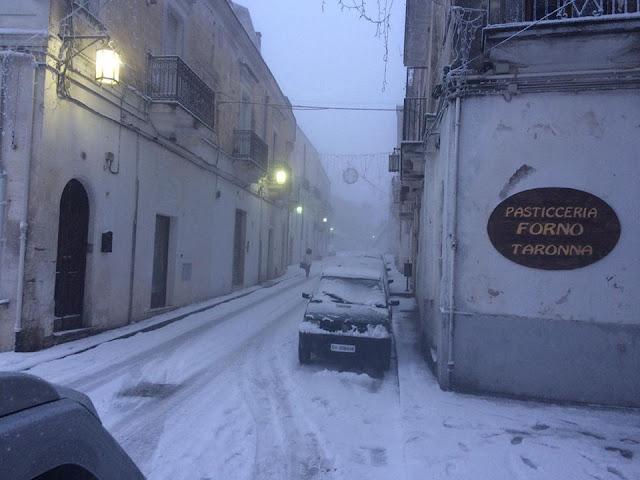 Ancora neve e ghiaccio a MonteSant'Angelo, scuole chiuse. L'ordinanza del Sindaco